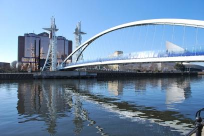 Lowry bridge Manchester_Flickrcc2.0_Hilverd Reker