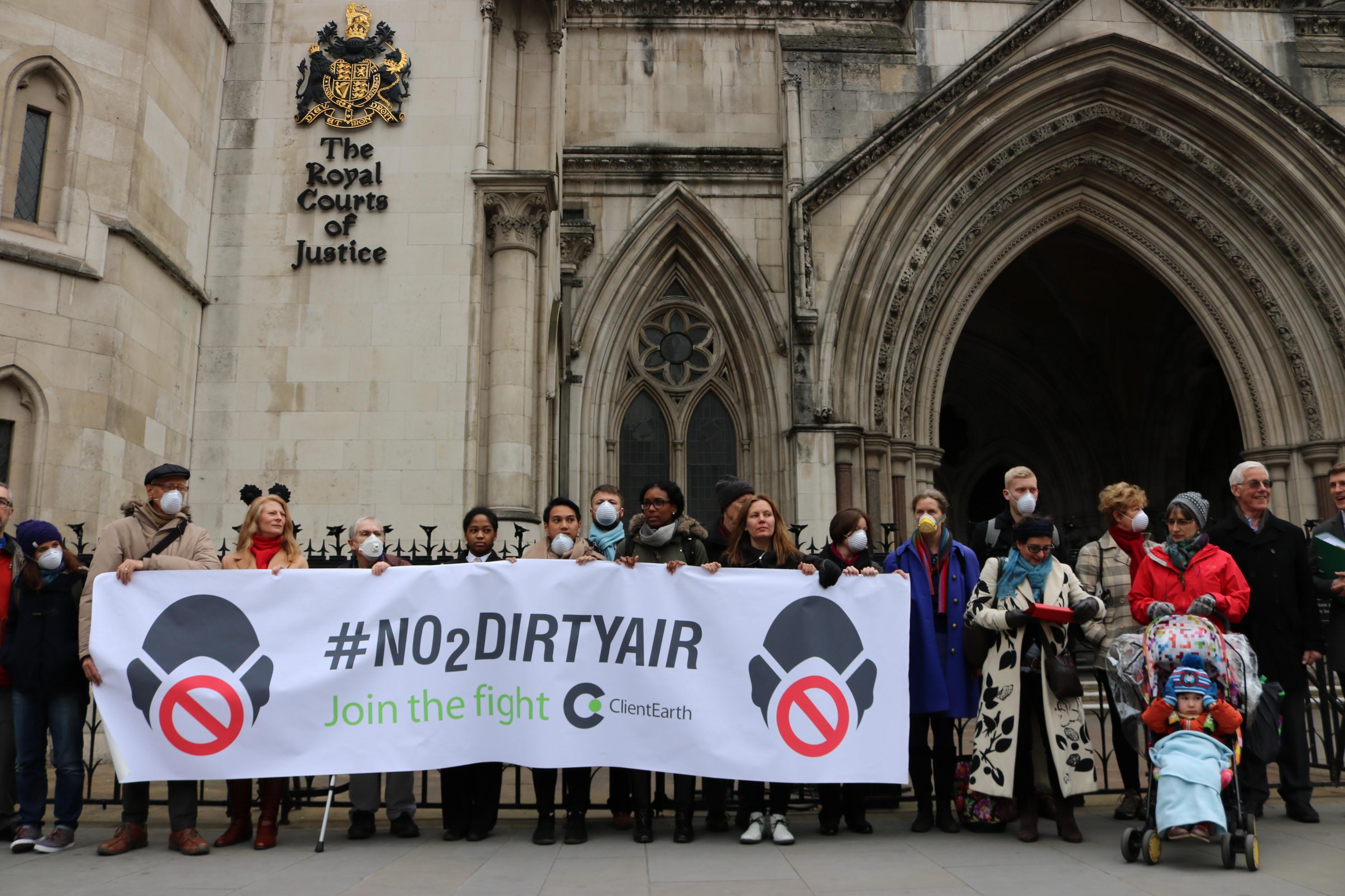 no2dirtyair-at-royal-courts-of-justice-11