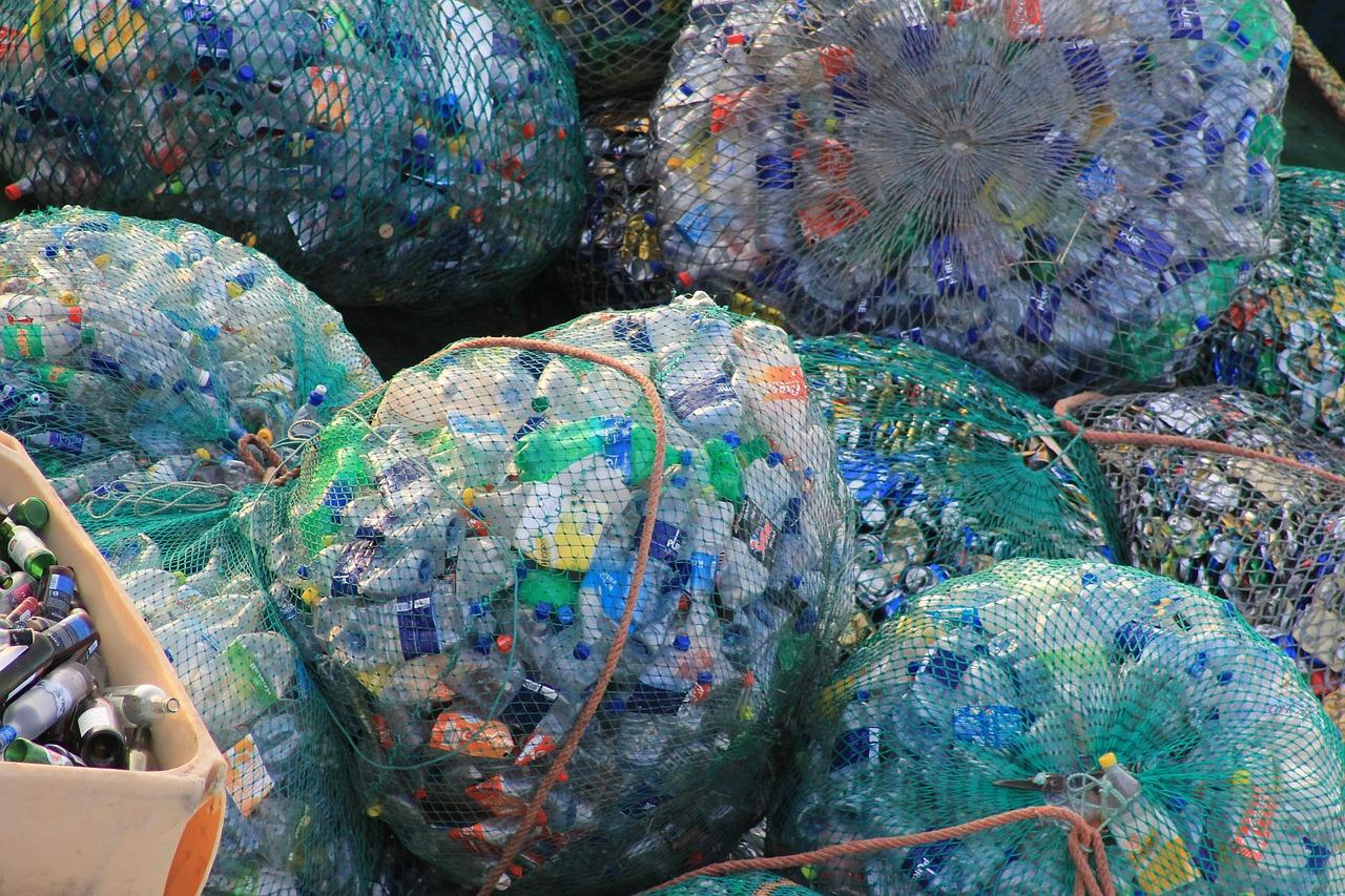 plastic-631625_1280