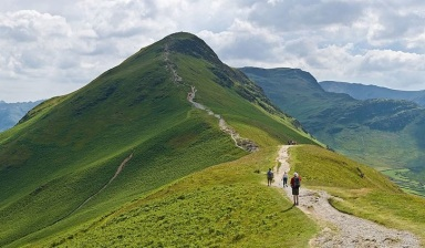 lake district hiking.jpg